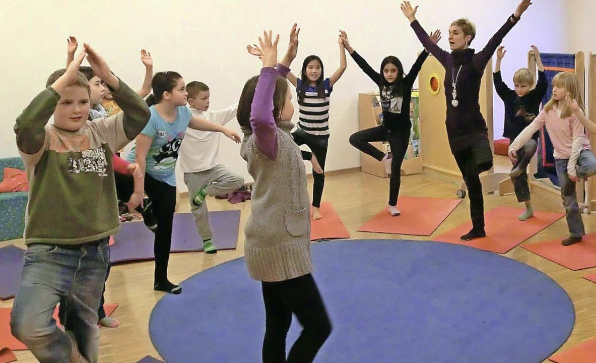 Zu den Betreuungsangeboten für Dritt- ...er Hans-Thoma-Schule zählt auch Yoga.   | Foto: privat