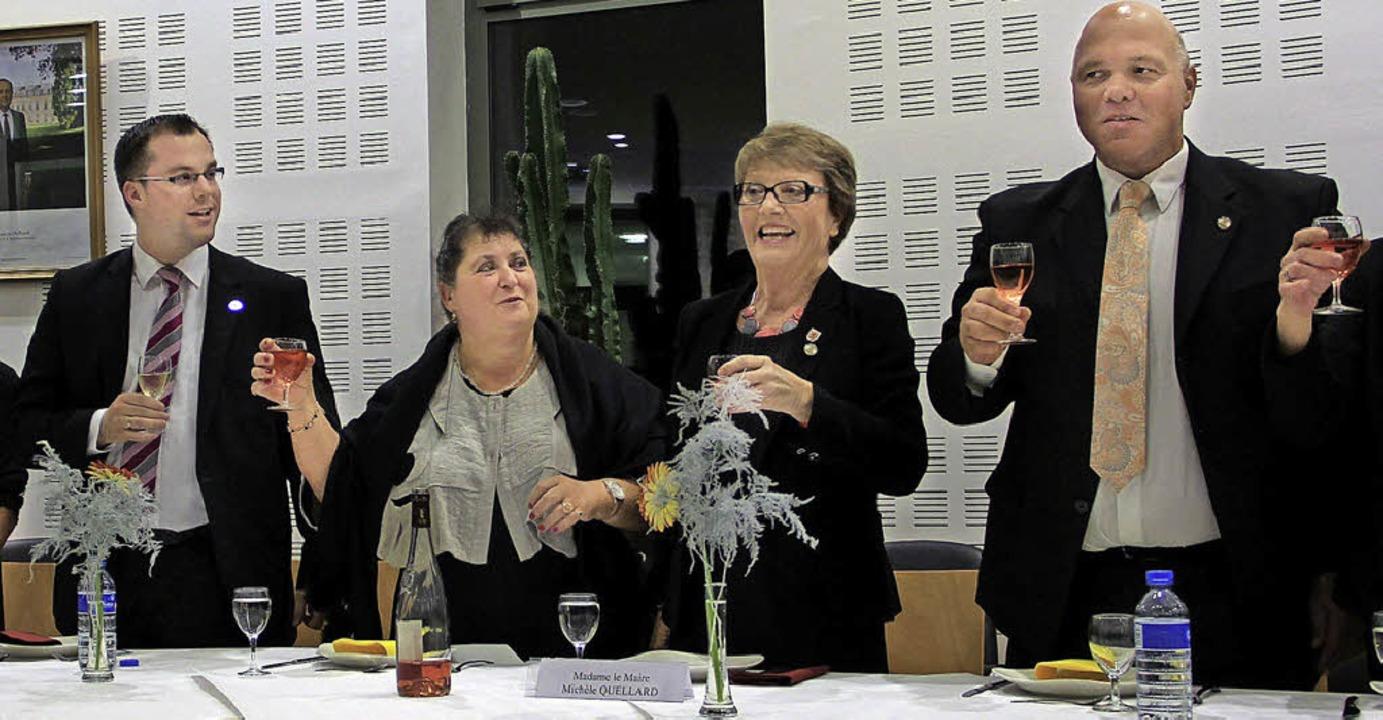 ...oder beim Empfang im Rathaus...Torsten Amann (von links nach rechts).  | Foto: Marita Höckendorff