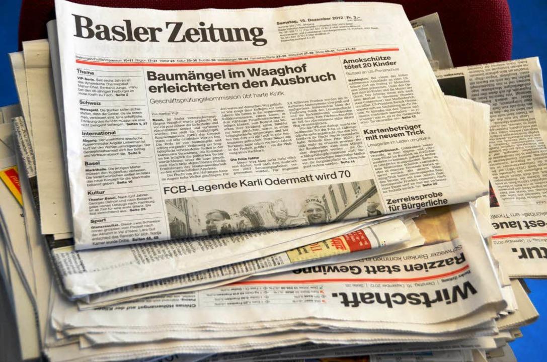 Soll künftig in Zürich gedruckt werden: die Basler Zeitung.  | Foto: Michael Baas