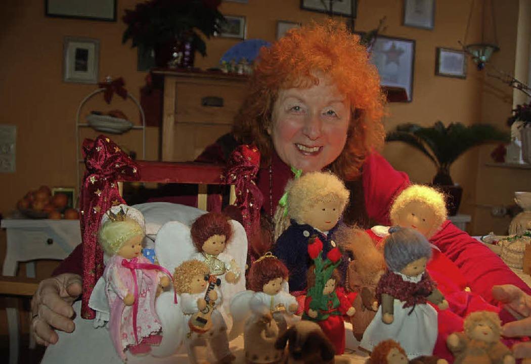 Die Puppenmacherin Gisela Schmidt-Mein...n Puppen – nicht nur bei Kindern  | Foto: Andrea Steinhart