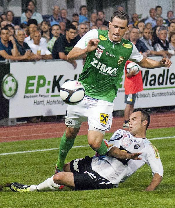 Felix Roth zeigt Dynamik in der Offensive.  | Foto: Gerhard Amann