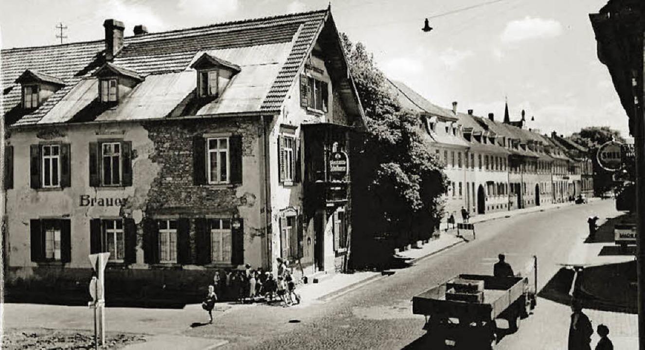 Blick in die Karl-Friedrich-Straße in ...an der Einmündung der Mundingerstraße   | Foto: Stadtarchiv