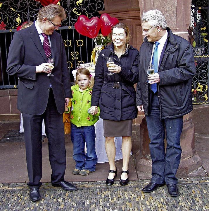 Stadtdekan Markus Engelhardt (51) und ...etzten Tag des Jahres 2012 geheiratet.  | Foto: privat