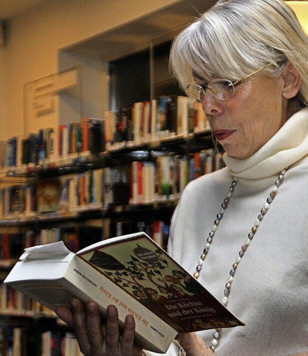 Ist  ganz in ihrem Element, wenn sie liest: Petra Gabriel     Foto: Jörn Kerckhoff