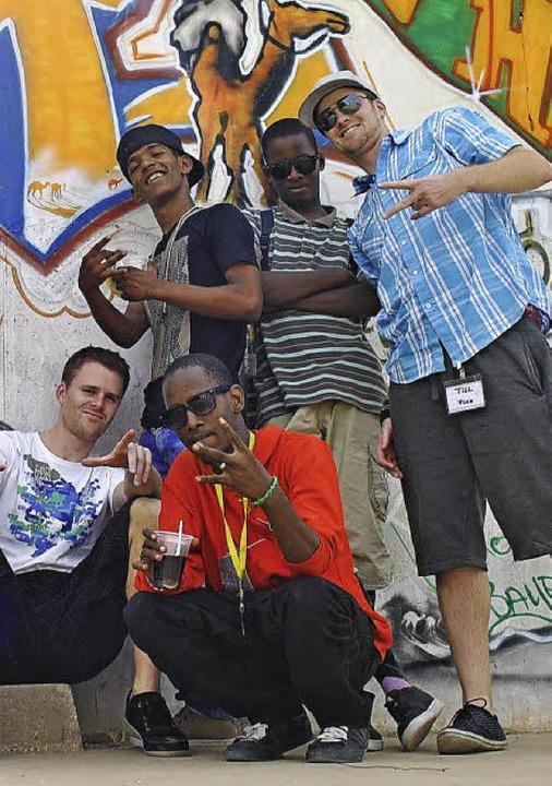 Gruppenfoto: mit Rappern in Mauretanien in Afrika  | Foto: privat