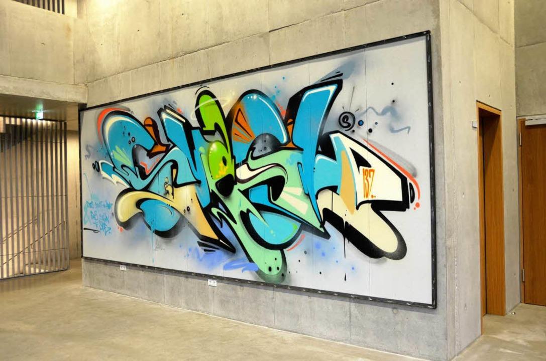 """Das Graffito """"Eyes & Ears&#8...dtischen Gymnasien am Rosenfelscampus.    Foto: Alexander Preker"""