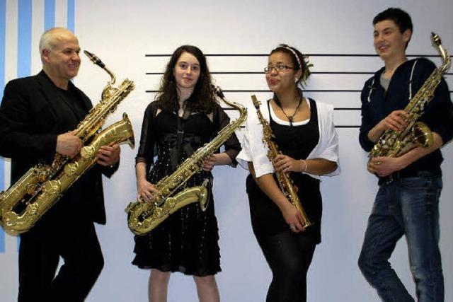 Saxofonquartett der Jugendmusikschule Säckingen spielt in Laufenburg