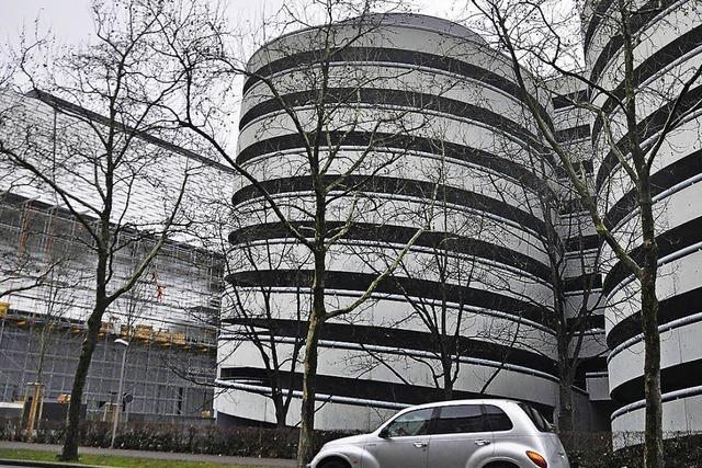 Drei Büros planen testhalber ein neues Parkhaus