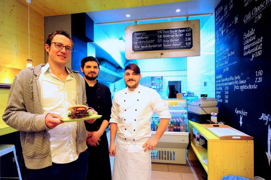 Philipp Bänsch, Anton Gulm und Michael Arndt (von links)  schmeißen den Laden.  | Foto: thomas Kunz