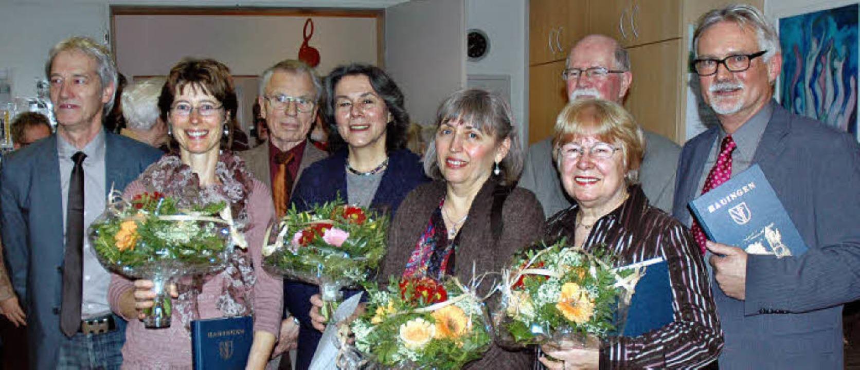 Ortsvorsteher Günter Schlecht (rechts)...urakovics, Gerfried Früh, Lore Hilger.  | Foto: Britta Wieschenkämper