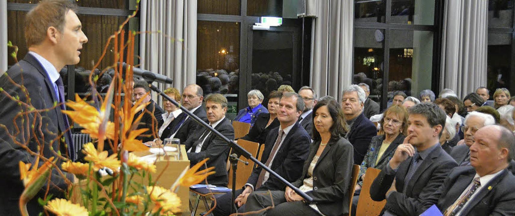 Bürgermeister Lutz hielt  eine rhetori...-Ansiedelung eine Hauptrolle spielte.   | Foto: Ralf H. Dorweiler