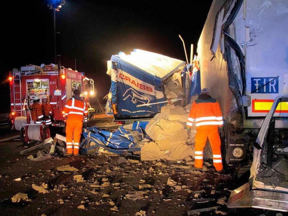 Aufräumarbeiten nach dem Unfall    Foto: privat