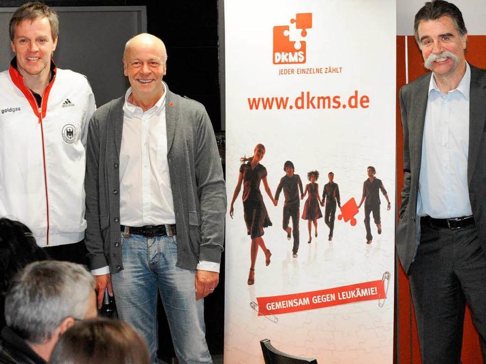 Erfolgreiche Aktion: Für Arnulf Meffle...Heiner Brand die Werbetrommel gerührt.  | Foto: Michael Heuberger