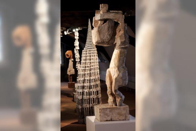 Skulptur flirtet mit Architektur
