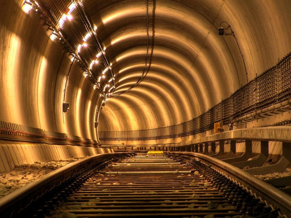 Bekommt Offenburg einen Tunnel?  | Foto: fotolia.com/Adamus