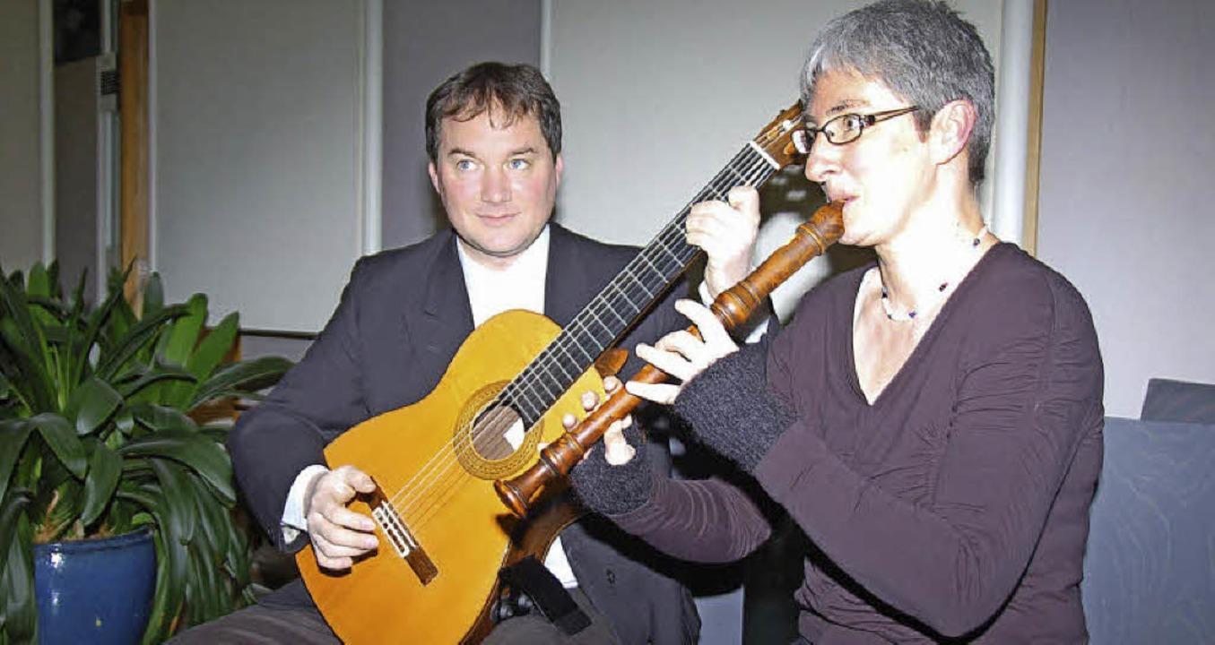 Anette Däublin-Schwarz und Markus Klem...rzauberten die Zuhörer mit ihrer Musik  | Foto: Andrea Steinhart