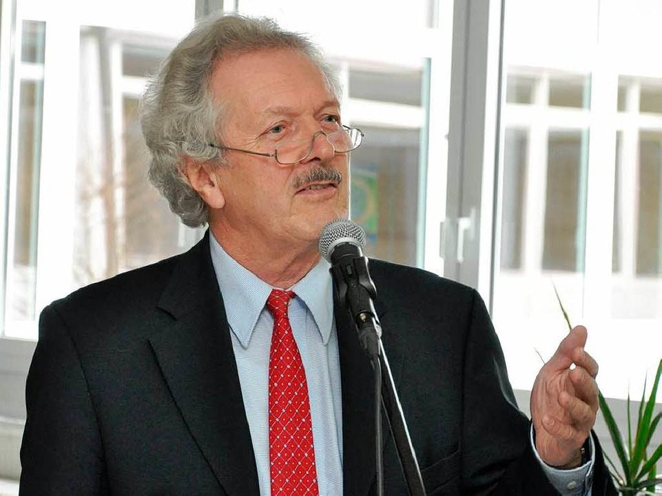 Lob für Breisachs bürgerschaftliches E...edensforscher Professor Wolfram Wette.  | Foto: Kai Kricheldorff