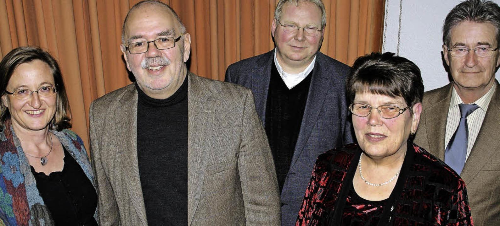 Optimistisch sieht der Kirchenchor St....e Heß und Richard Blatter (von links).  | Foto: hrvoje miloslavic