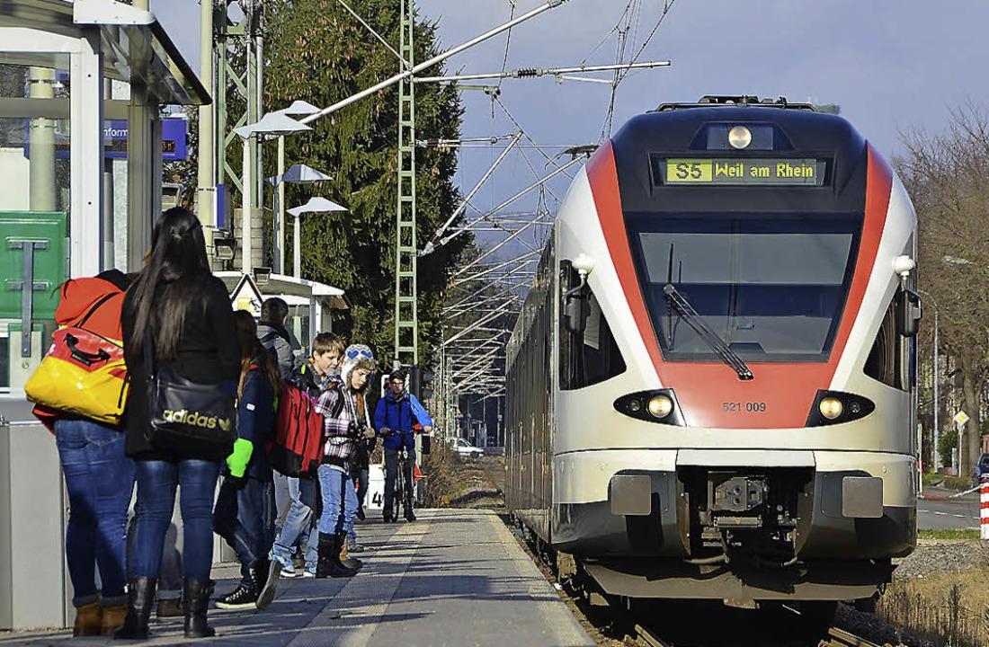 Die S-Bahn-Station Lörrach-Stetten ist...Bahn-Linien und für die Tram  werden.   | Foto: Willi Adam
