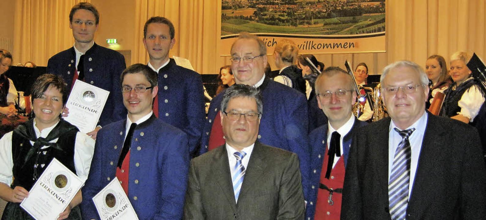 Hanspeter Metzger, Präsident des Markg...n beim Festbankett  verdient Musiker.   | Foto: Anne Freyer