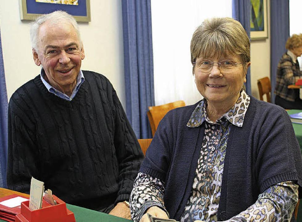 Bridge-Club-Vorsitzender Klaus Uhle und Vize-Vorsitzende Barbara Braun  | Foto: Anja Bertsch