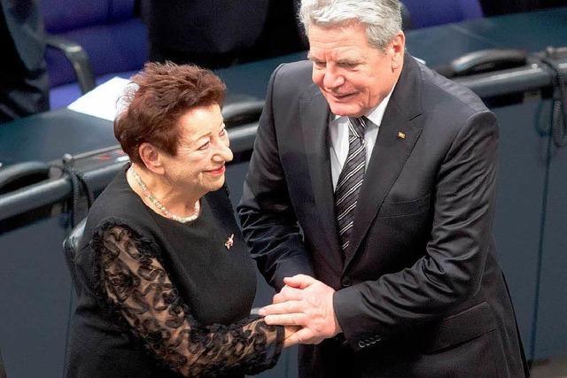 Holocaust-Überlebende beeindruckt im Bundestag