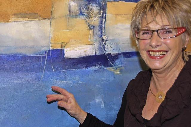 Kunstverein Gundelfingen zeigt abstrakte Bilder von Ute Olerth im Rathausfoyer