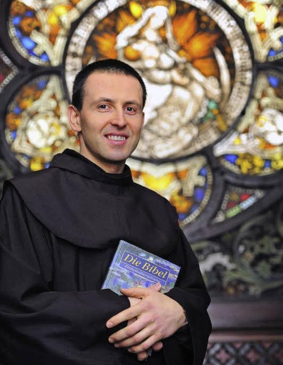 Das Gebet gibt ihm Kraft für seine neu...ministrator für vier  Pfarrgemeinden.     Foto: Thomas Kunz