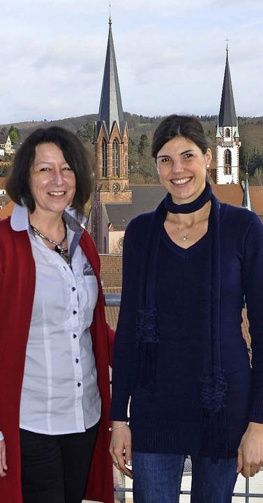 Vor der Silhouette der Emmendinger Inn...n (links) und Christine Kübler-Steidle  | Foto: Marius Alexander