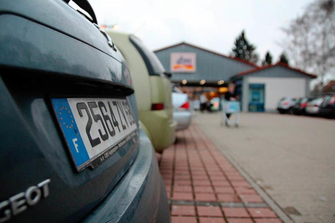 Autos  mit F-Kennzeichen – ein gewohnter Anblick  | Foto: Michael Saurer