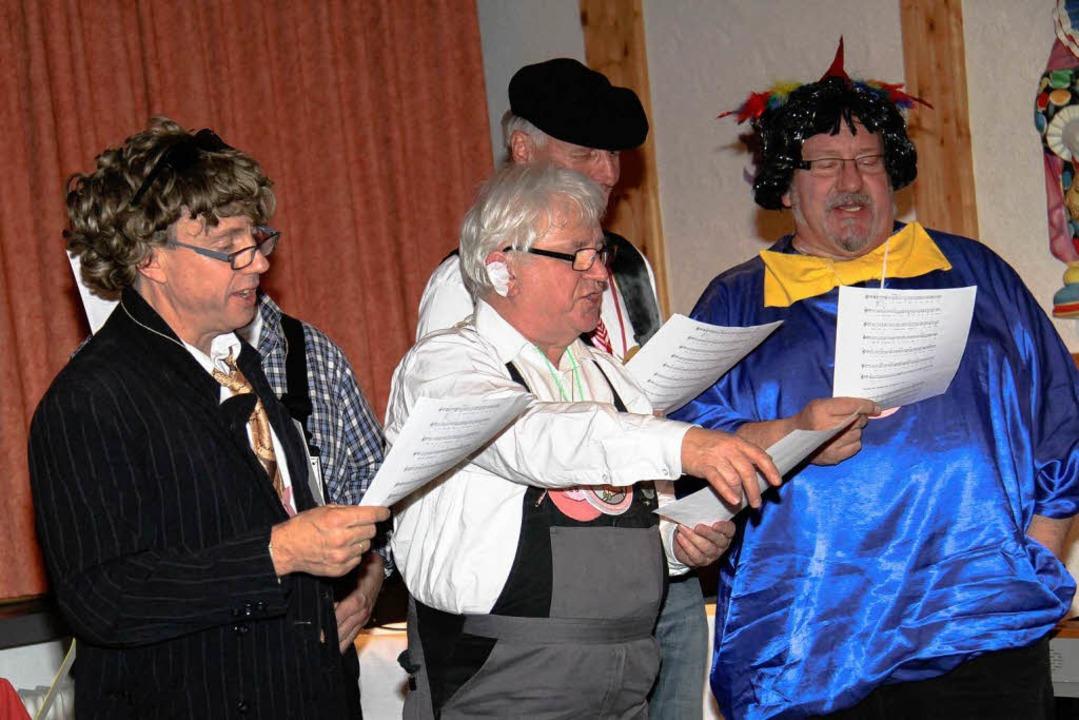 Auch der kirchliche Chor war mit dabei    Foto: Wilfried Dieckmann