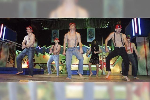 Show, Tanz und närrischer Witz