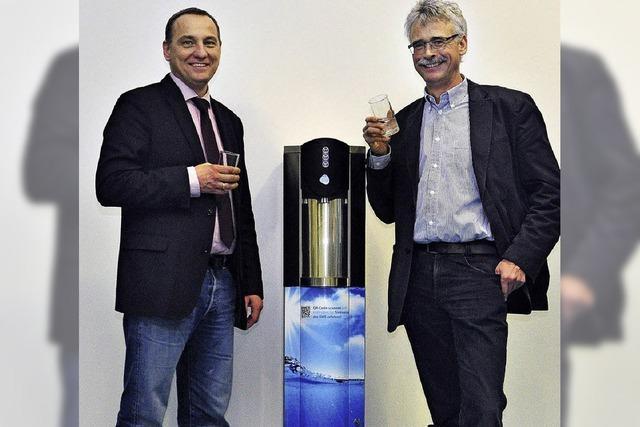 Trinkwasser mit Sprudel-Schuss