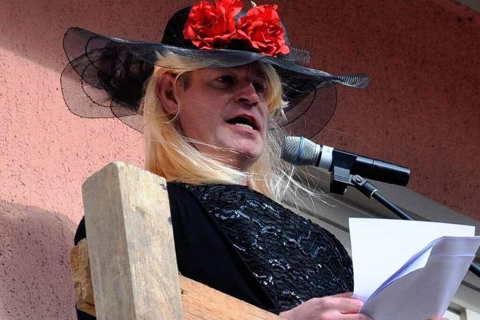 Als Olivia empfing Bürgermeister Oliver Rein die Narren. (Foto: Kai Kricheldorff)