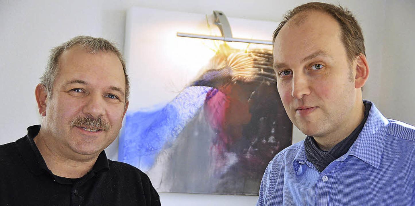 Joachim Schlageter (rechts) und Michae... Ansiedlung der Firma Zimmermann vor.   | Foto: Ralf H. Dorweiler