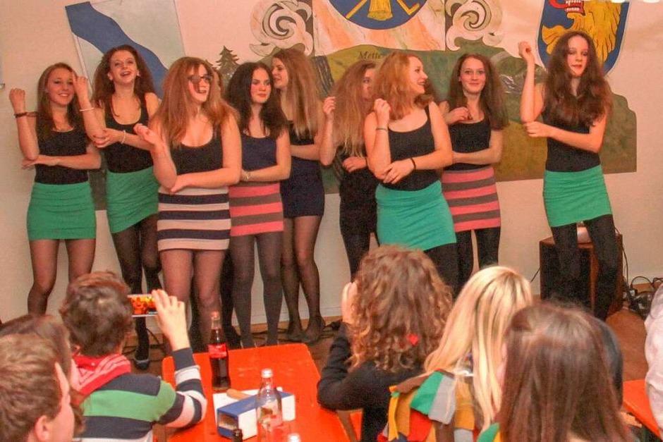 Das närrische Volk forderte Zugaben vom Tanz der Jugend (Foto: Chris Seifried)