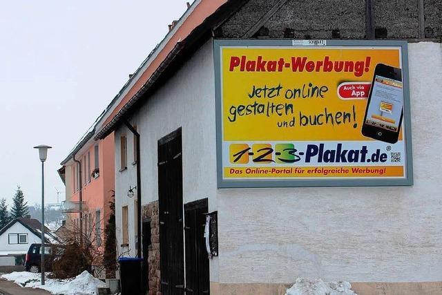 Streit um Werbetafel - Stadt beschreitet Klageweg