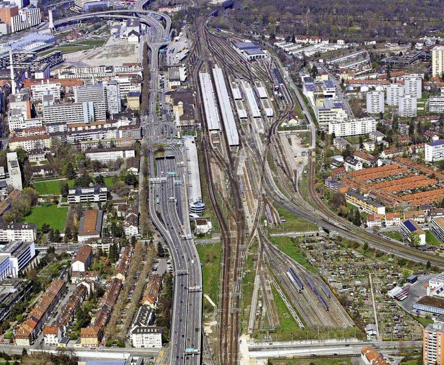 Basel ist der wichtigste Grenzübergang im Bahnverkehr mit der Schweiz.     Foto: Erich Meyer