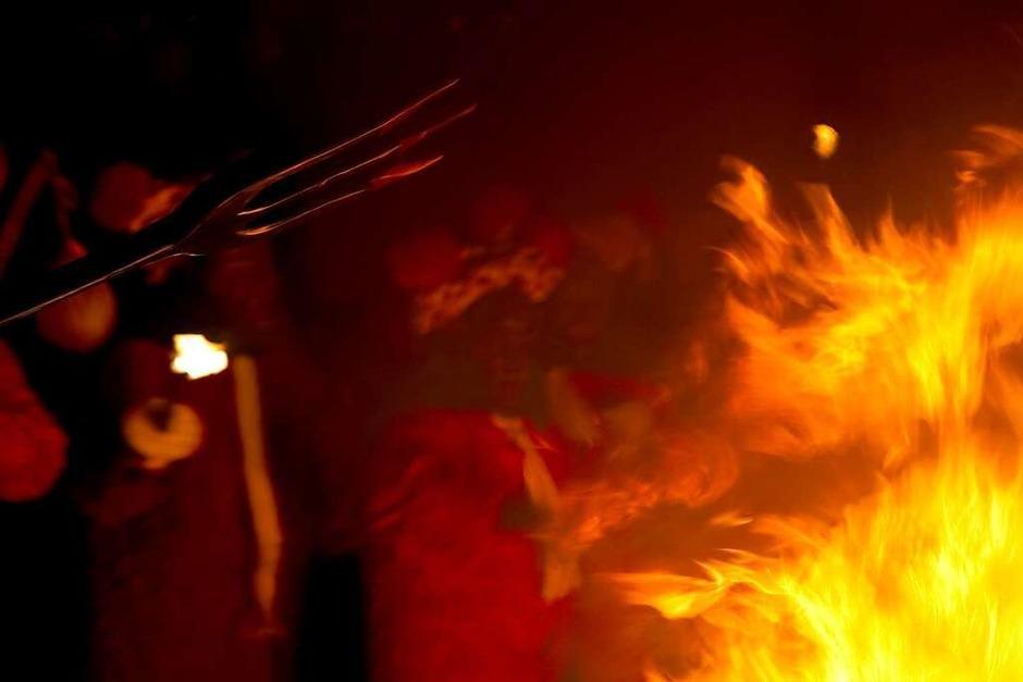 Tanz mit dem Feuer: Der Elzacher Fackelumzug (Foto: Daniel Fleig)