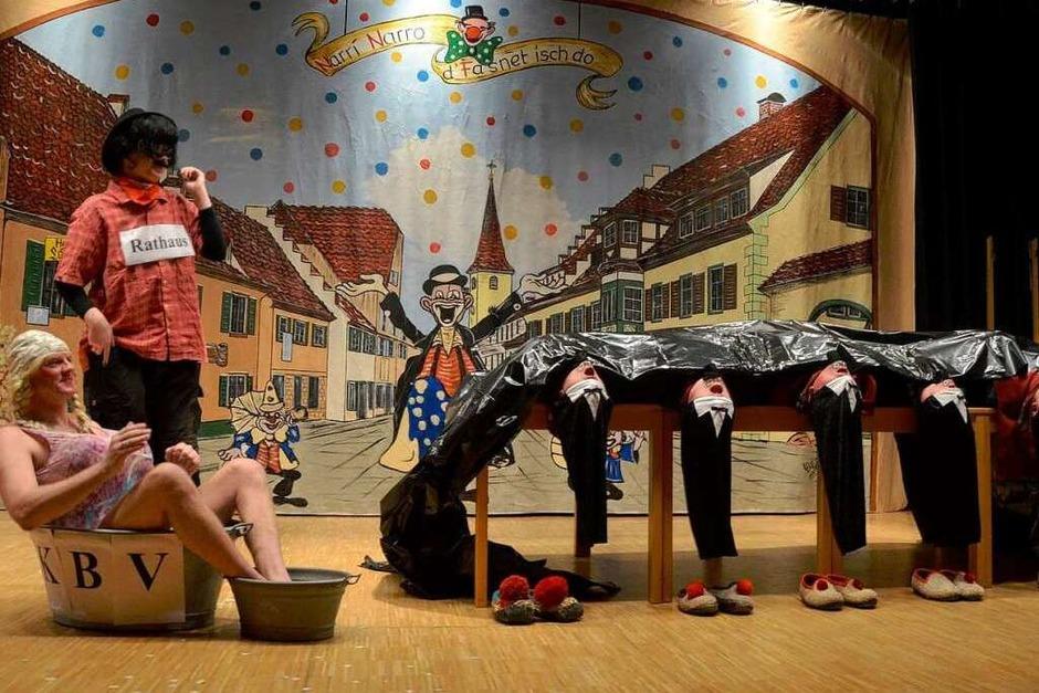 Närrische Stimmung bei der Pfarrfasnet im Albaneum (Foto: Susanne Müller)