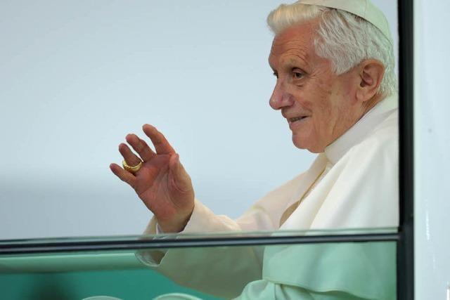 Benedikt gibt Papstamt auf – Vatikan: Nachfolger wird vor Ostern gewählt