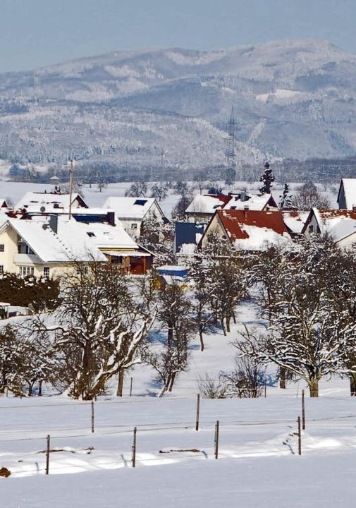Typisch Dinkelberg:  Blick auf Adelhausen im  Winter   | Foto: Petra Wunderle