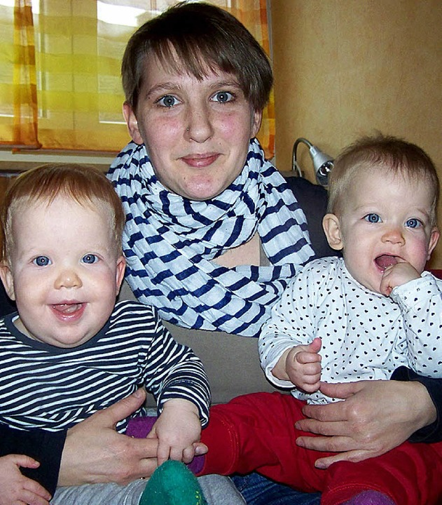Maja (links) und Leni mit ihrer Mama.   | Foto: timm