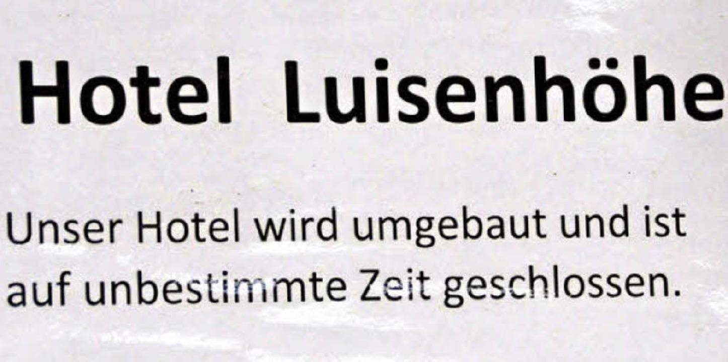 Hinweis für Besucher am Eingang zum Gasthaus Luisenhöhe.  | Foto: Tanja Bury