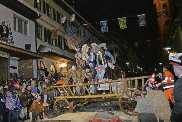 Alte Wiiber in der Landesschau: SWR überträgt Zeller Altweiberrennen live