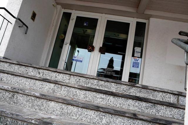 Sechs Überfälle auf Filiale – Volksbank Lahr trennt Kunden und Geld