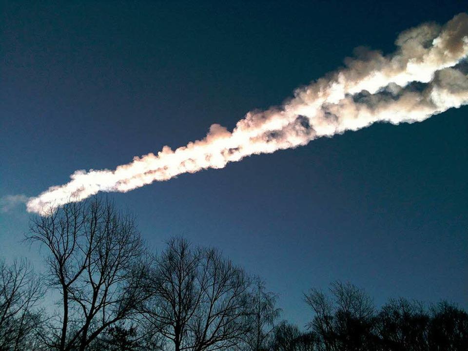 Der Meteorit am Himmel  | Foto: dpa