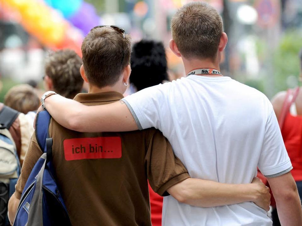 Homosexuelle Paare haben vom Bundesver...mehr Rechte bei der Adoption erhalten.    Foto: dpa