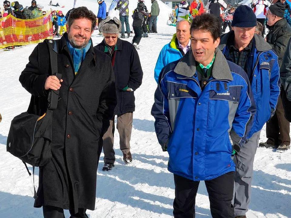 Wenn die Sonne scheint auf dem Feldber... Bürgermeister Stefan Wirbser lachen.   | Foto: morys