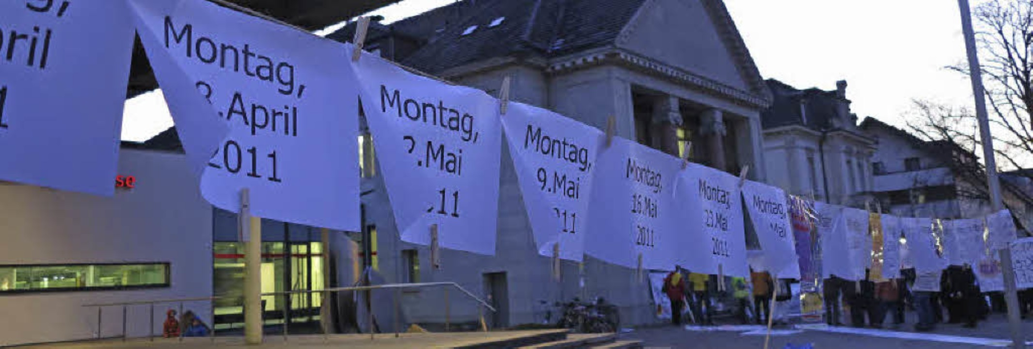 Schon 100 Mal traf sich das Aktionsbün...1;  und der Protest soll weitergehen.   | Foto: Dorothee Philipp